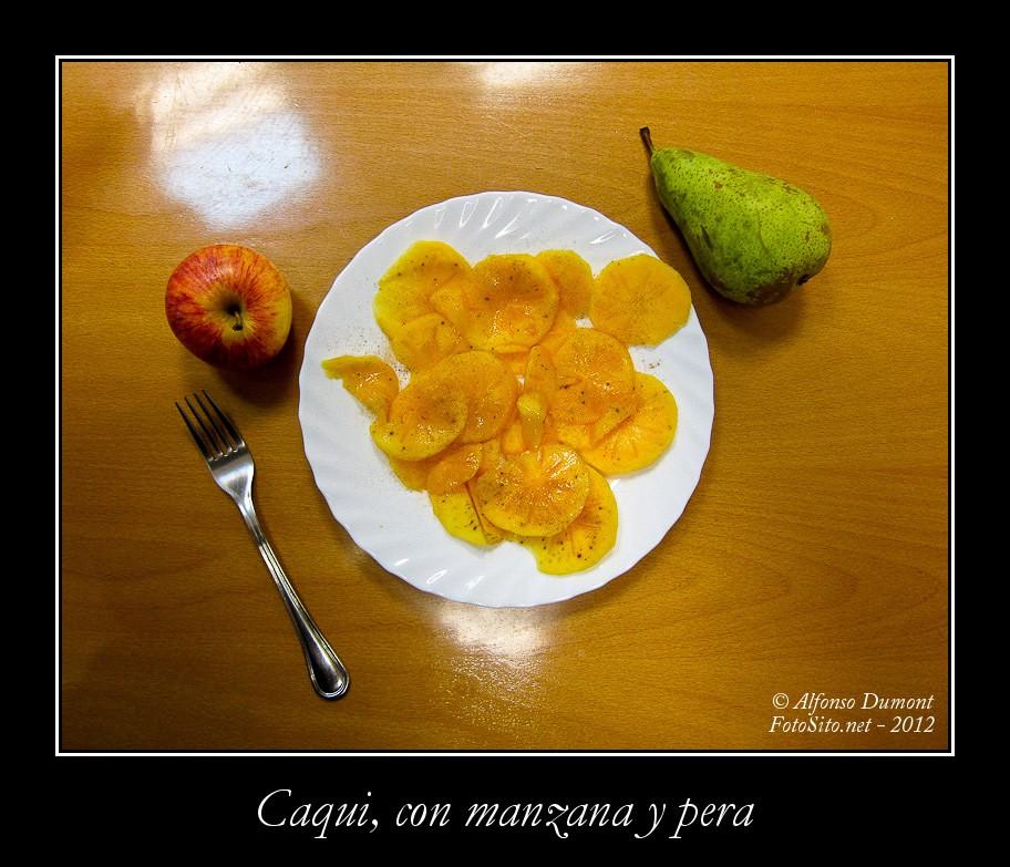Caqui, con manzana y pera