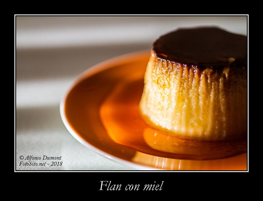 Flan con miel