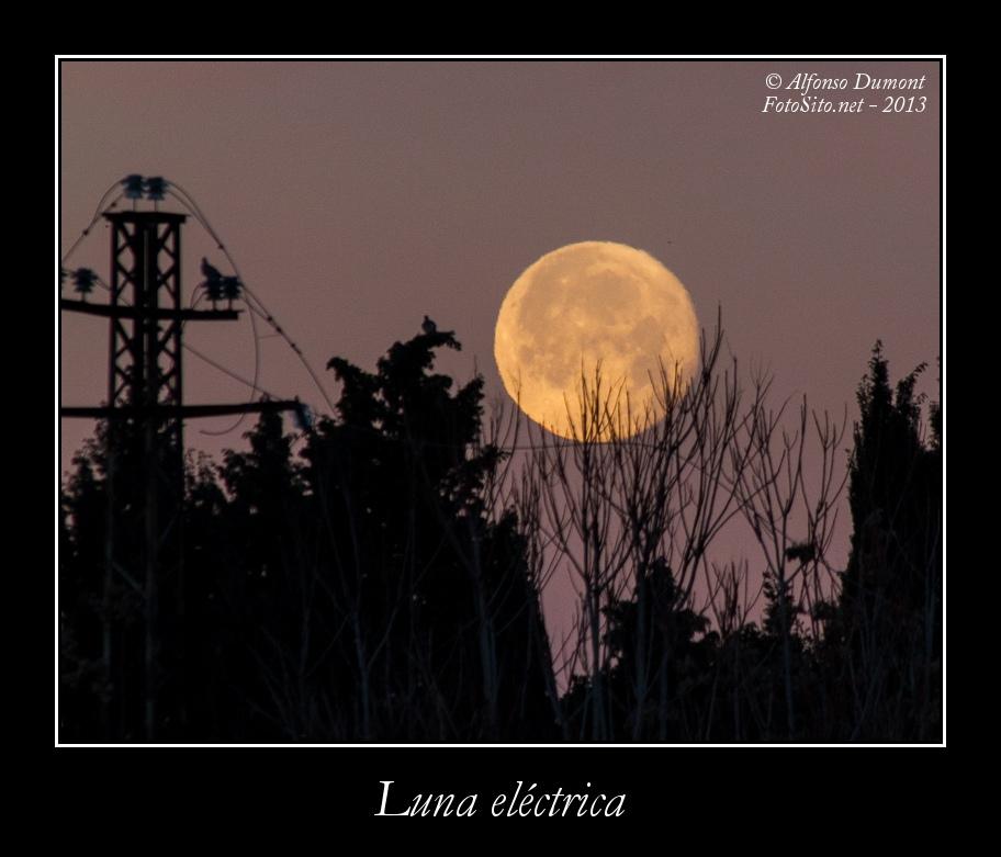 Luna electrica