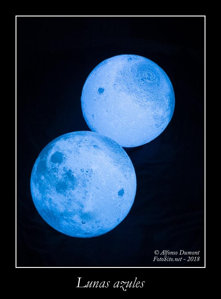 Lunas azules