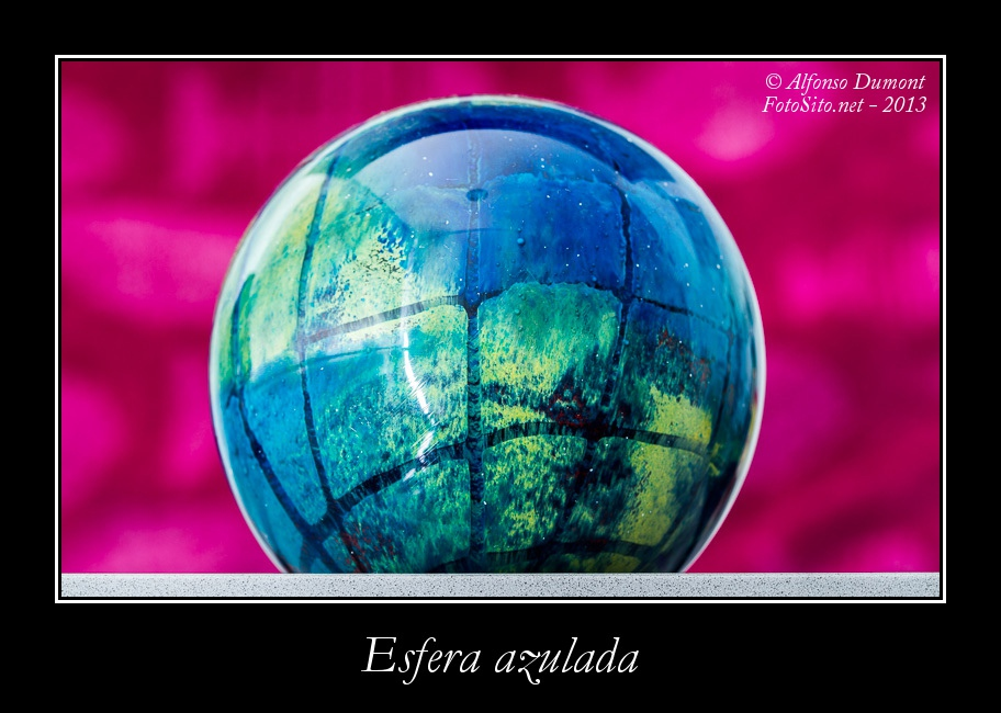 Esfera azulada