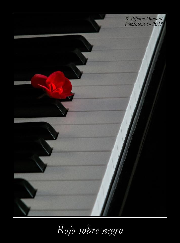 Rojo sobre negro